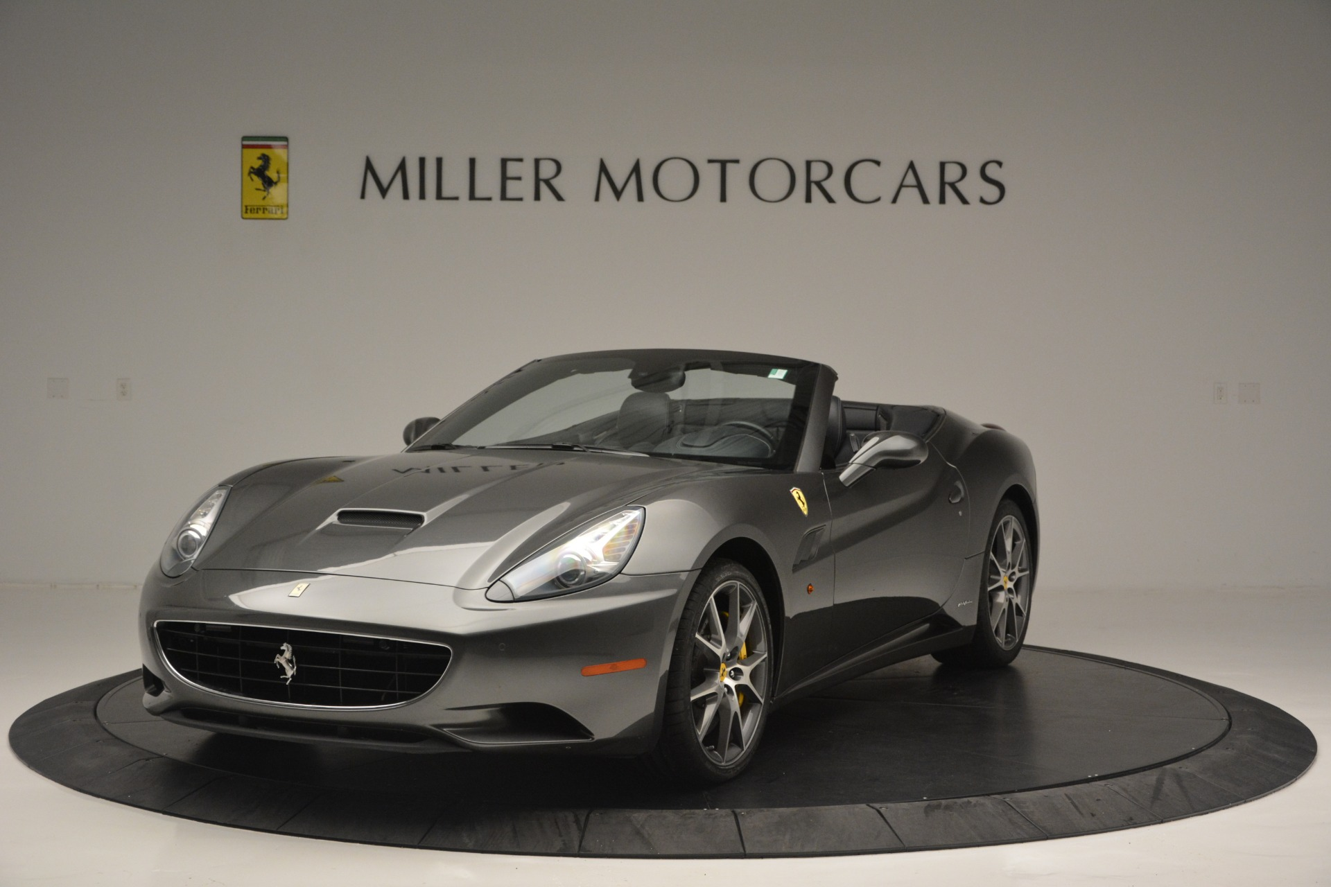 Used 2013 Ferrari California 30 for sale $113,900 at Bentley Greenwich in Greenwich CT 06830 1