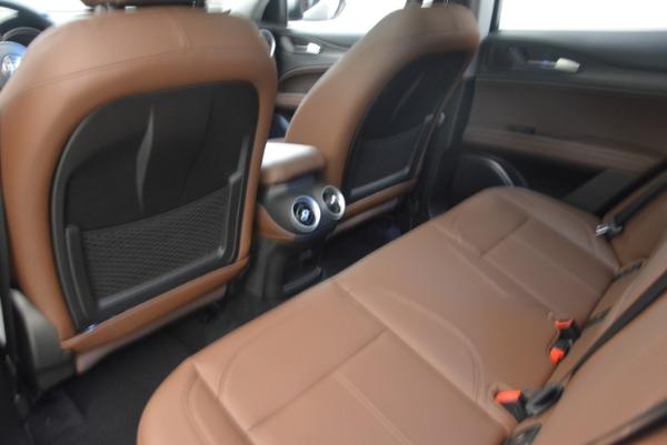 New 2019 Alfa Romeo Stelvio Sport Q4 for sale Sold at Bentley Greenwich in Greenwich CT 06830 17