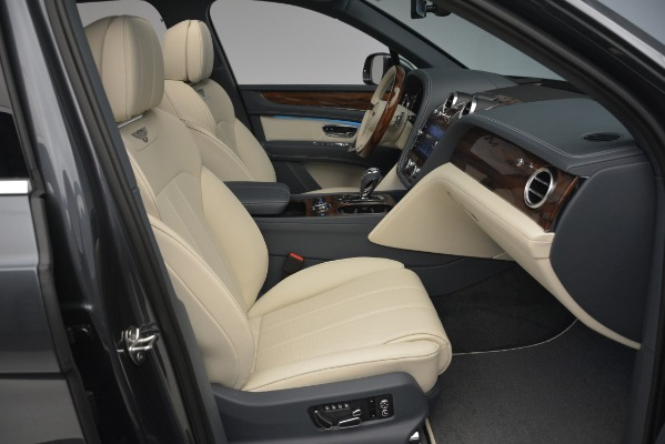 New 2019 Bentley Bentayga V8 for sale Sold at Bentley Greenwich in Greenwich CT 06830 28