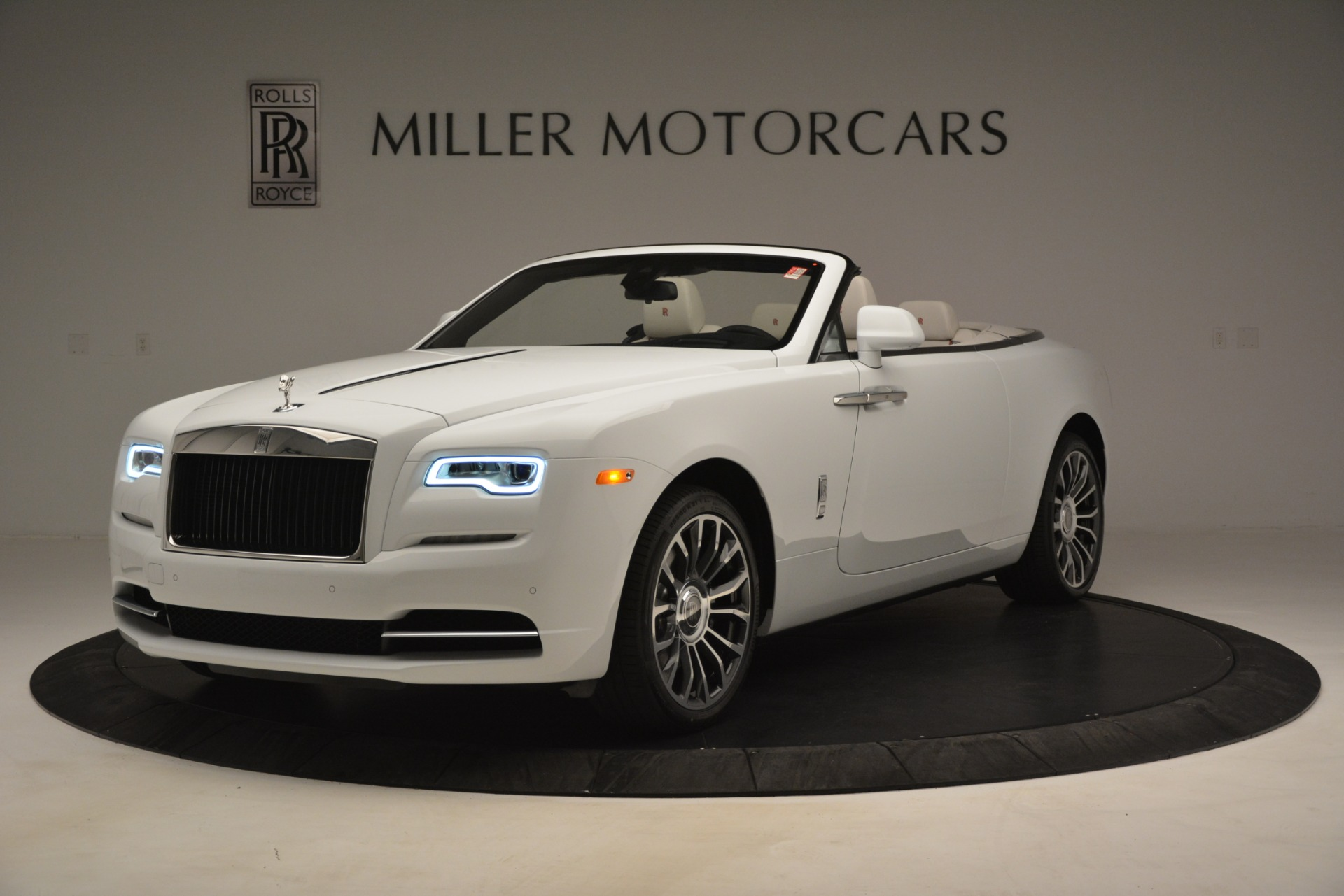 Used 2019 Rolls-Royce Dawn for sale $359,900 at Bentley Greenwich in Greenwich CT 06830 1