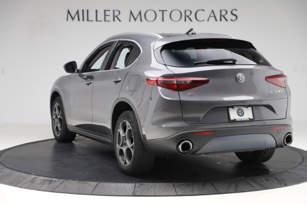 Used 2019 Alfa Romeo Stelvio Q4 for sale Sold at Bentley Greenwich in Greenwich CT 06830 5