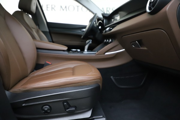 Used 2019 Alfa Romeo Stelvio Q4 for sale Sold at Bentley Greenwich in Greenwich CT 06830 23