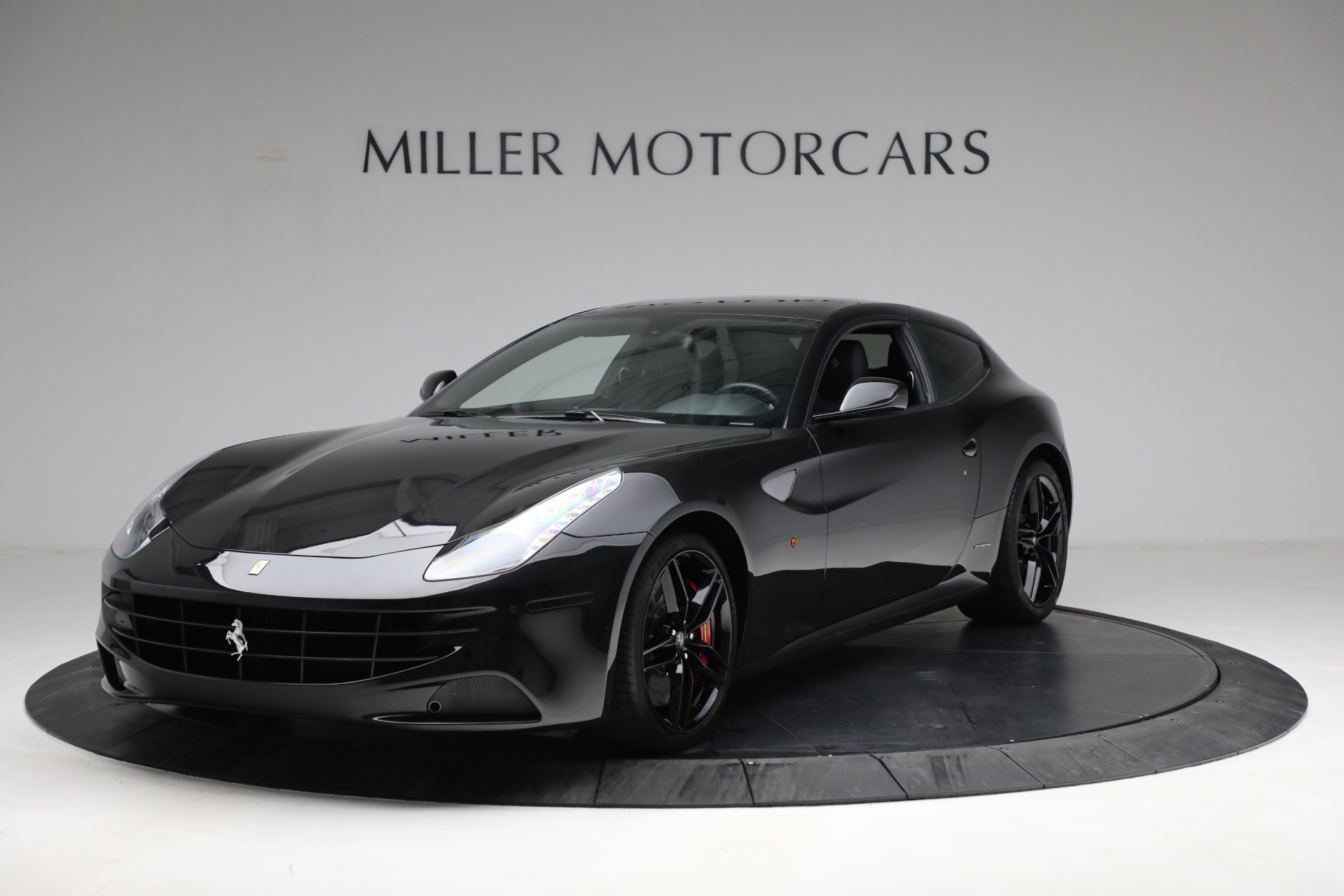 Used 2014 Ferrari FF for sale $144,900 at Bentley Greenwich in Greenwich CT 06830 1