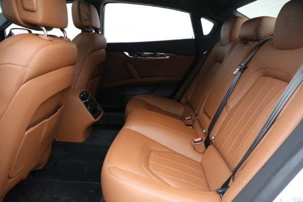 Used 2015 Maserati Quattroporte S Q4 for sale Sold at Bentley Greenwich in Greenwich CT 06830 16