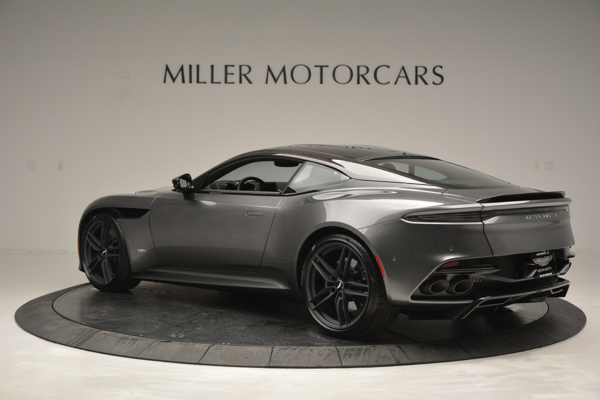 Pre Owned 2019 Aston Martin Dbs Superleggera Coupe For Sale 344 741 Bentley Greenwich Stock A1348b