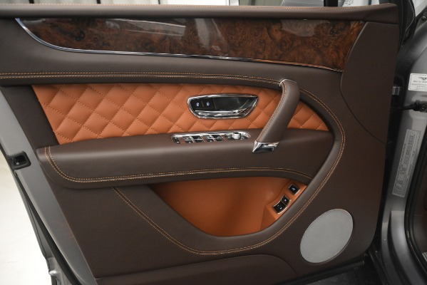 Used 2017 Bentley Bentayga W12 for sale Sold at Bentley Greenwich in Greenwich CT 06830 16