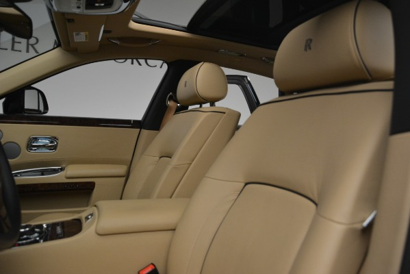 Used 2014 Rolls-Royce Ghost for sale Sold at Bentley Greenwich in Greenwich CT 06830 16