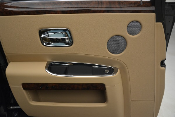 Used 2014 Rolls-Royce Ghost for sale Sold at Bentley Greenwich in Greenwich CT 06830 19