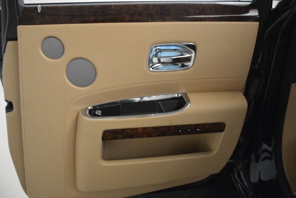 Used 2014 Rolls-Royce Ghost for sale Sold at Bentley Greenwich in Greenwich CT 06830 25