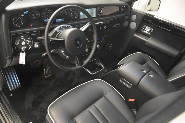 Used 2014 Rolls-Royce Phantom for sale Sold at Bentley Greenwich in Greenwich CT 06830 15