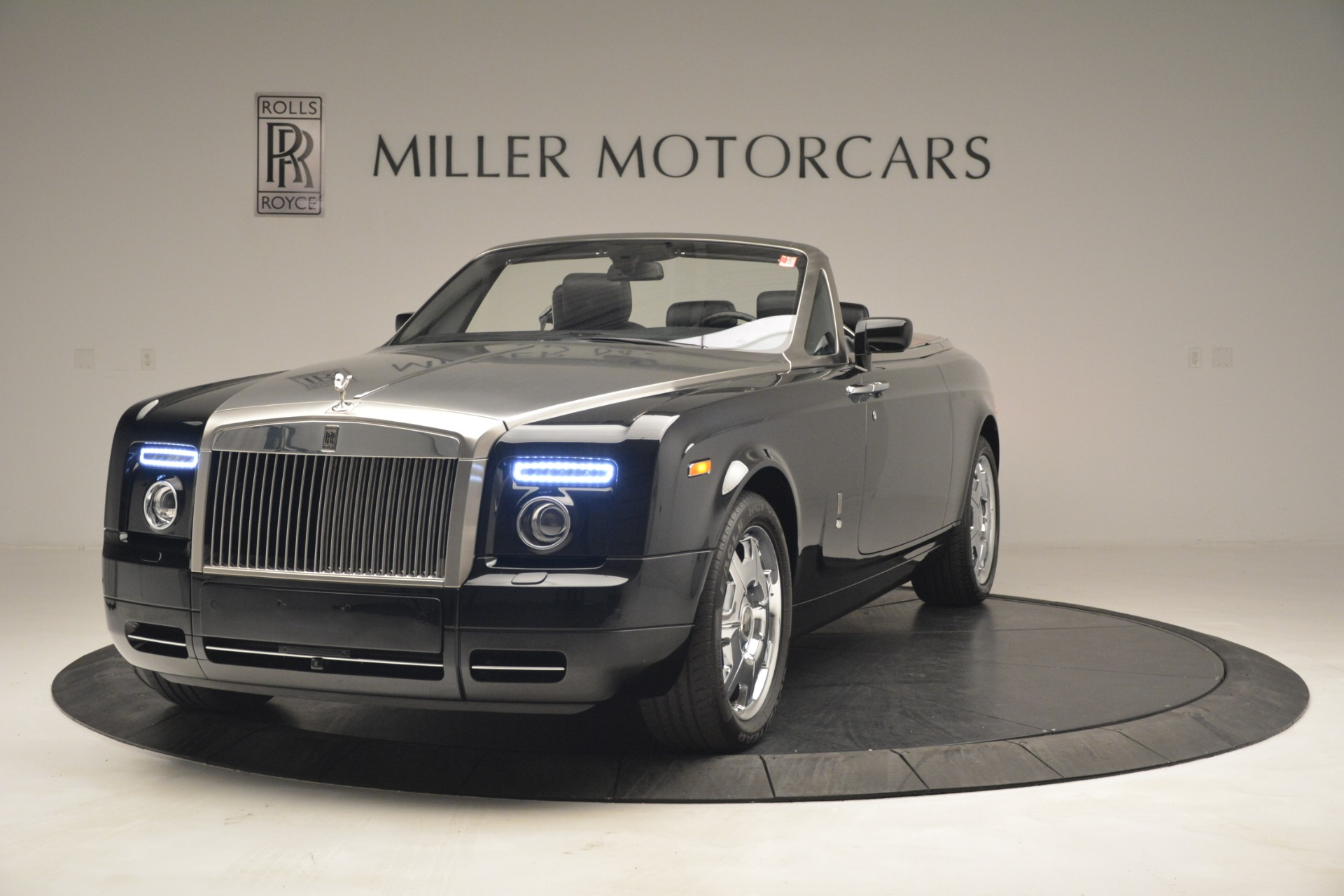 Used 2008 Rolls-Royce Phantom Drophead Coupe for sale Sold at Bentley Greenwich in Greenwich CT 06830 1
