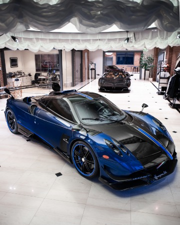 Used 2017 Pagani Huayra BC Macchina Volante for sale Call for price at Bentley Greenwich in Greenwich CT 06830 4
