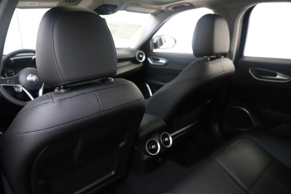 New 2019 Alfa Romeo Giulia Q4 for sale $46,140 at Bentley Greenwich in Greenwich CT 06830 20