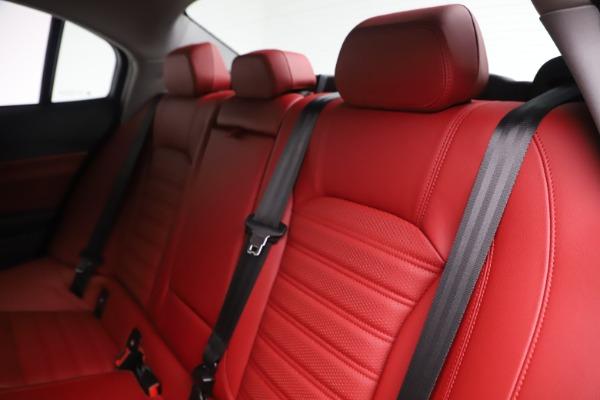 New 2019 Alfa Romeo Giulia Ti Sport Q4 for sale Sold at Bentley Greenwich in Greenwich CT 06830 18