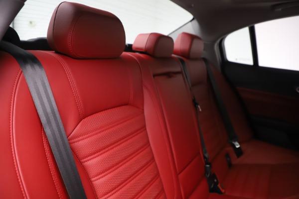 New 2019 Alfa Romeo Giulia Ti Sport Q4 for sale Sold at Bentley Greenwich in Greenwich CT 06830 26