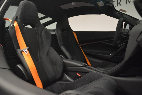 New 2019 McLaren 720S Coupe for sale $351,470 at Bentley Greenwich in Greenwich CT 06830 21
