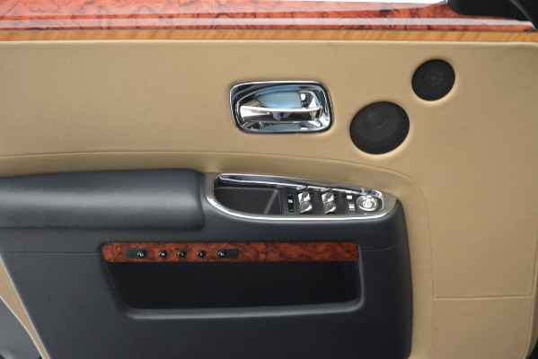 Used 2015 Rolls-Royce Ghost for sale Sold at Bentley Greenwich in Greenwich CT 06830 24