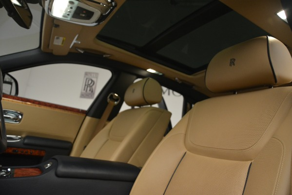 Used 2015 Rolls-Royce Ghost for sale Sold at Bentley Greenwich in Greenwich CT 06830 27