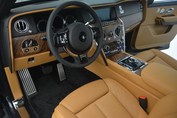 Used 2019 Rolls-Royce Cullinan for sale $347,900 at Bentley Greenwich in Greenwich CT 06830 21