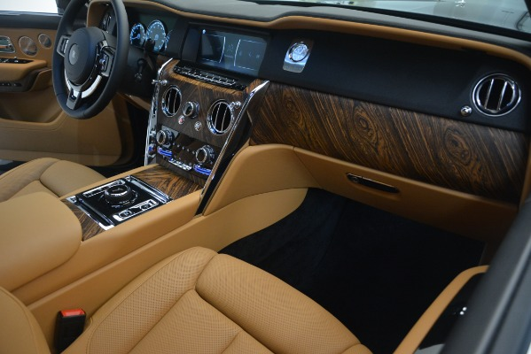 Used 2019 Rolls-Royce Cullinan for sale $347,900 at Bentley Greenwich in Greenwich CT 06830 23