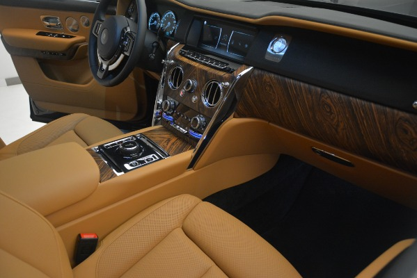 Used 2019 Rolls-Royce Cullinan for sale $347,900 at Bentley Greenwich in Greenwich CT 06830 24
