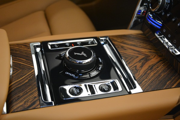 Used 2019 Rolls-Royce Cullinan for sale $347,900 at Bentley Greenwich in Greenwich CT 06830 26