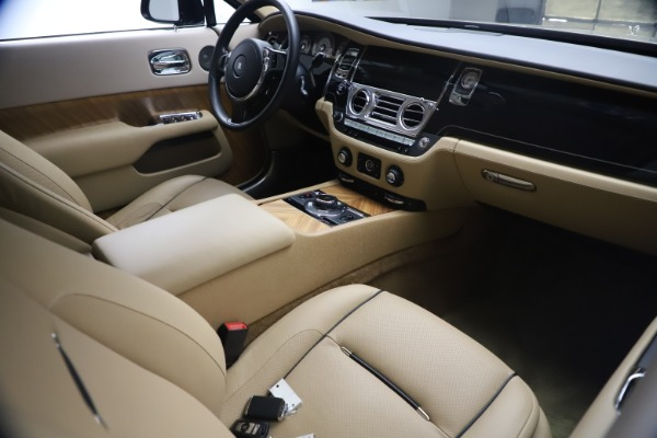 Used 2015 Rolls-Royce Wraith for sale $199,900 at Bentley Greenwich in Greenwich CT 06830 20