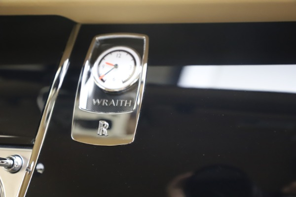 Used 2015 Rolls-Royce Wraith for sale $199,900 at Bentley Greenwich in Greenwich CT 06830 27