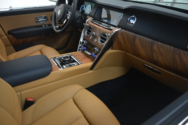 New 2019 Rolls-Royce Cullinan for sale Sold at Bentley Greenwich in Greenwich CT 06830 18
