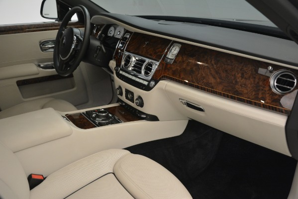Used 2016 Rolls-Royce Ghost for sale Sold at Bentley Greenwich in Greenwich CT 06830 17