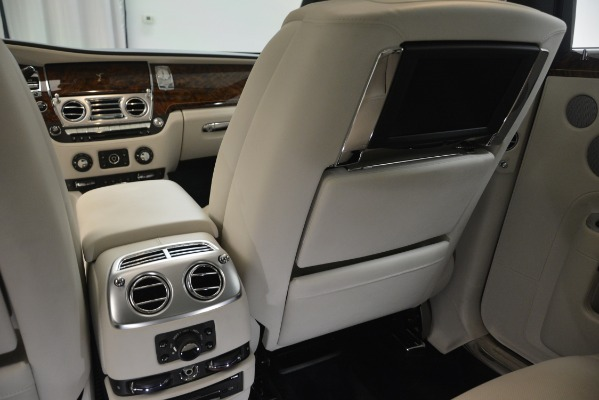 Used 2016 Rolls-Royce Ghost for sale Sold at Bentley Greenwich in Greenwich CT 06830 26