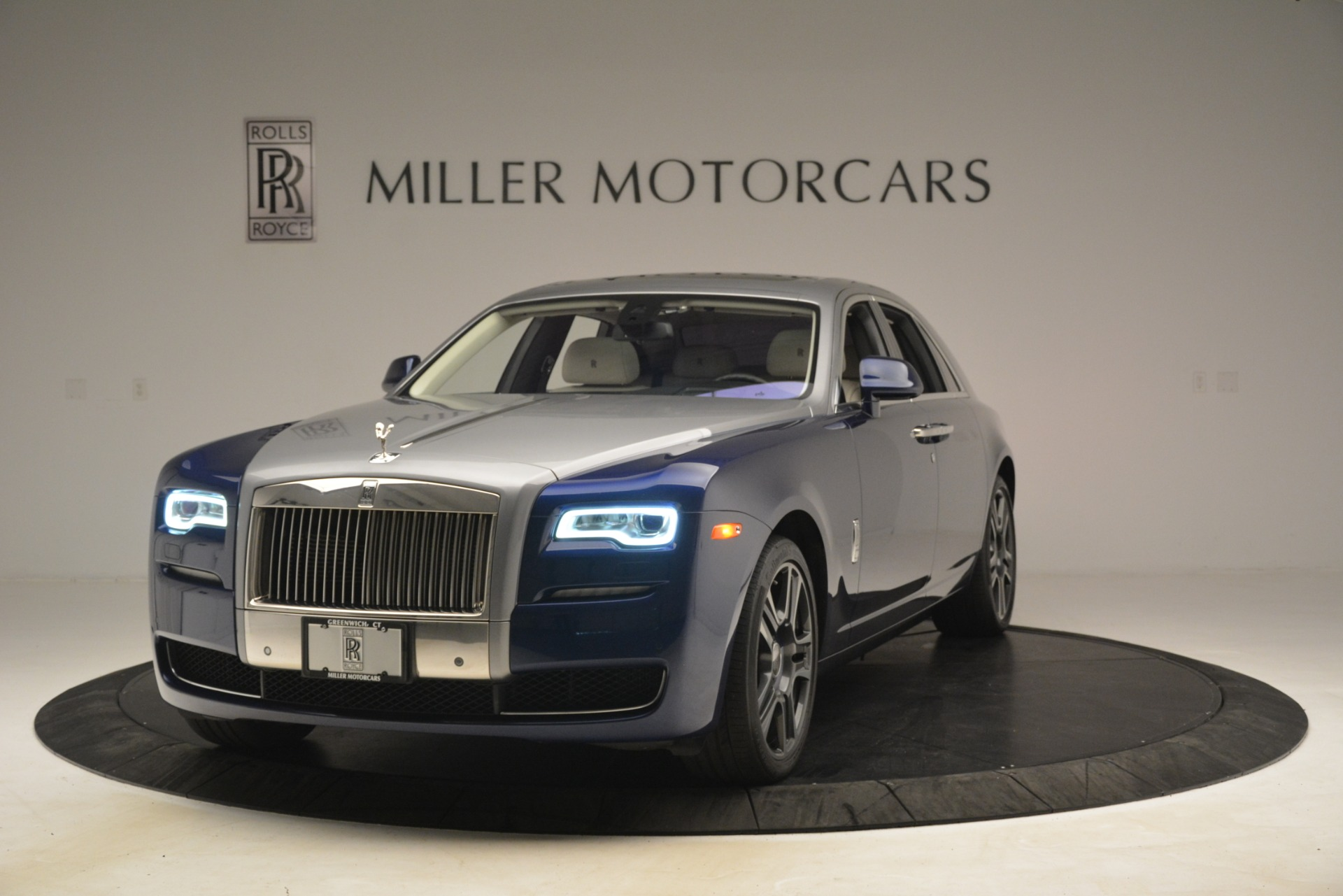 Used 2016 Rolls-Royce Ghost for sale Sold at Bentley Greenwich in Greenwich CT 06830 1