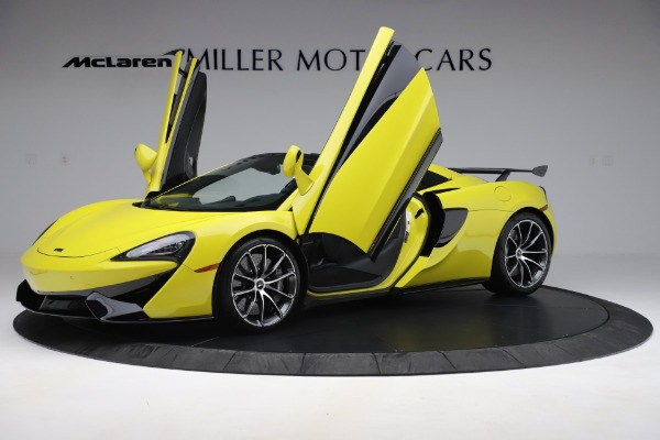 New 2019 McLaren 570S SPIDER Convertible for sale $227,660 at Bentley Greenwich in Greenwich CT 06830 18