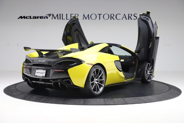 New 2019 McLaren 570S SPIDER Convertible for sale $227,660 at Bentley Greenwich in Greenwich CT 06830 21