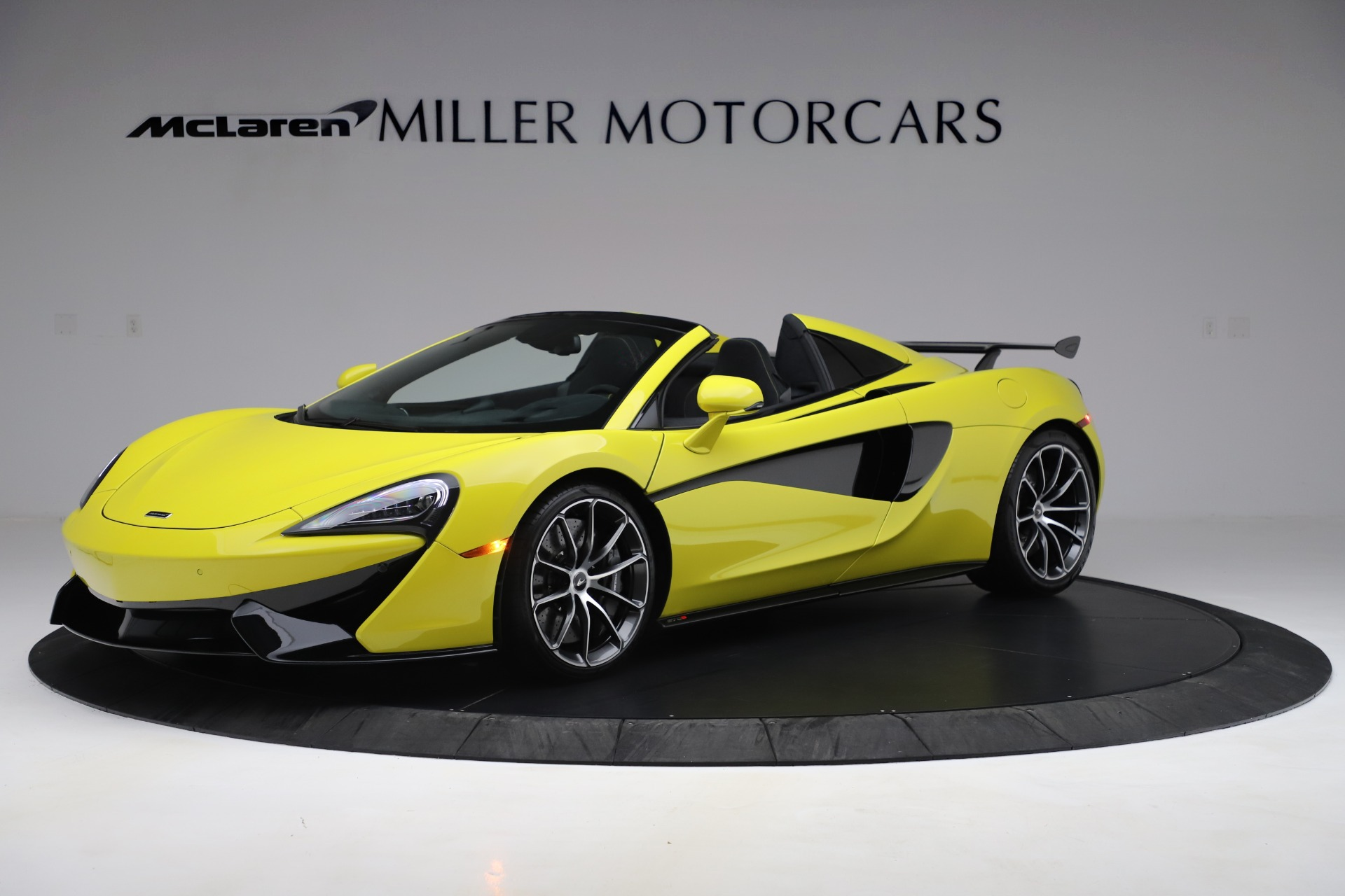New 2019 McLaren 570S SPIDER Convertible for sale $227,660 at Bentley Greenwich in Greenwich CT 06830 1