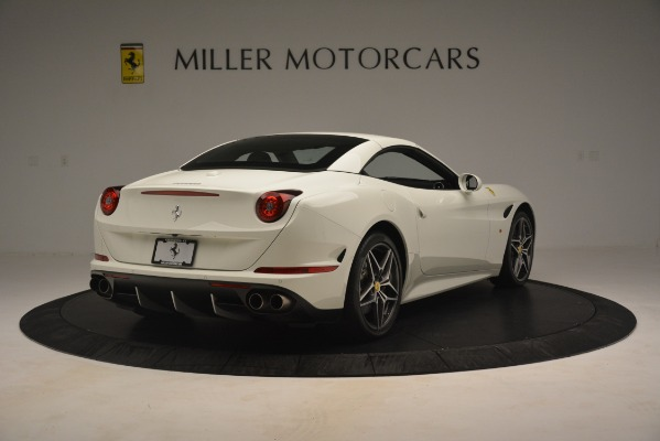 Used 2016 Ferrari California T for sale $145,900 at Bentley Greenwich in Greenwich CT 06830 17