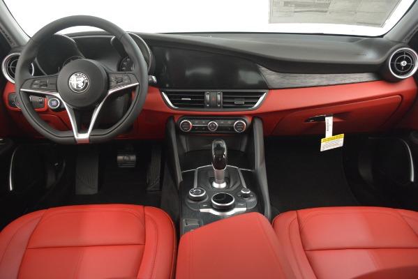 New 2019 Alfa Romeo Giulia Q4 for sale Sold at Bentley Greenwich in Greenwich CT 06830 16