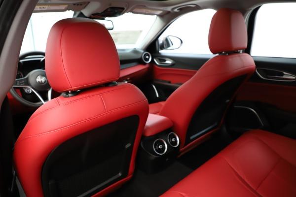 New 2019 Alfa Romeo Giulia Q4 for sale Sold at Bentley Greenwich in Greenwich CT 06830 21