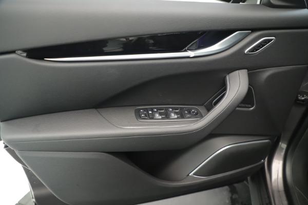New 2019 Maserati Levante Q4 Nerissimo for sale $89,850 at Bentley Greenwich in Greenwich CT 06830 17
