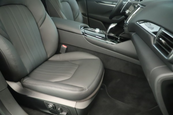 New 2019 Maserati Levante Q4 Nerissimo for sale $89,850 at Bentley Greenwich in Greenwich CT 06830 24
