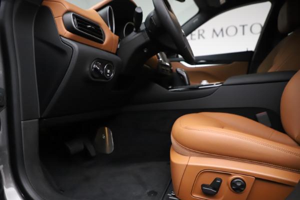 New 2019 Maserati Levante Q4 for sale $83,660 at Bentley Greenwich in Greenwich CT 06830 14