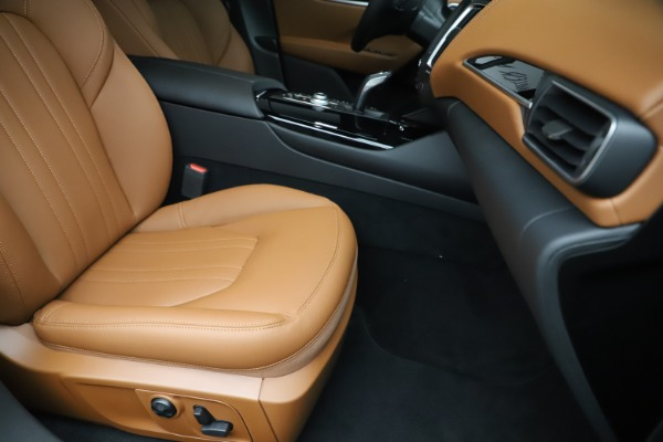 New 2019 Maserati Levante Q4 for sale $83,660 at Bentley Greenwich in Greenwich CT 06830 24