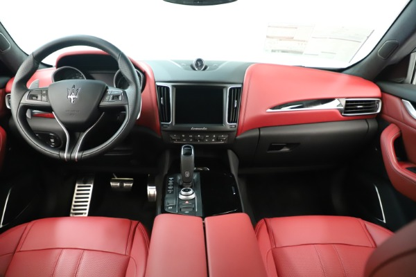 New 2019 Maserati Levante Q4 GranSport Nerissimo for sale $87,845 at Bentley Greenwich in Greenwich CT 06830 16