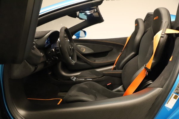 New 2020 McLaren 600LT SPIDER Convertible for sale $303,059 at Bentley Greenwich in Greenwich CT 06830 28