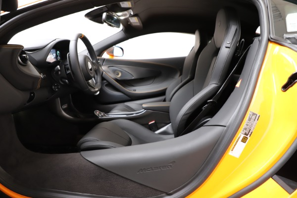 New 2019 McLaren 600LT Coupe for sale $279,310 at Bentley Greenwich in Greenwich CT 06830 16