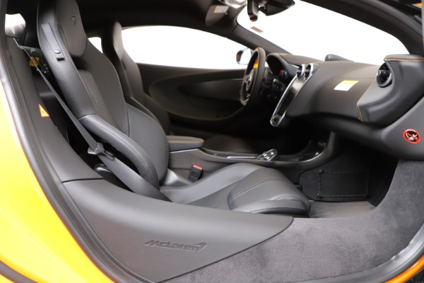 New 2019 McLaren 600LT Coupe for sale $279,310 at Bentley Greenwich in Greenwich CT 06830 18