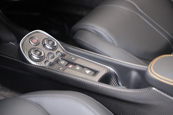 New 2019 McLaren 600LT for sale $279,310 at Bentley Greenwich in Greenwich CT 06830 20