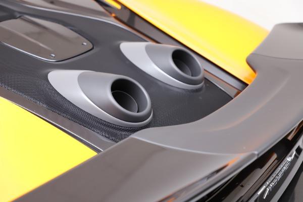 New 2019 McLaren 600LT for sale $279,310 at Bentley Greenwich in Greenwich CT 06830 23