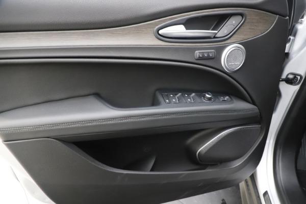 New 2019 Alfa Romeo Stelvio Ti Q4 for sale Sold at Bentley Greenwich in Greenwich CT 06830 17