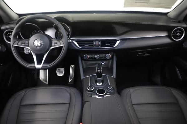 New 2019 Alfa Romeo Stelvio Ti Lusso Q4 for sale Sold at Bentley Greenwich in Greenwich CT 06830 16